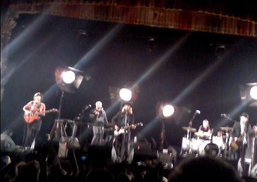 picture 2 Beck awes the Aragon Ballroom (10/2)