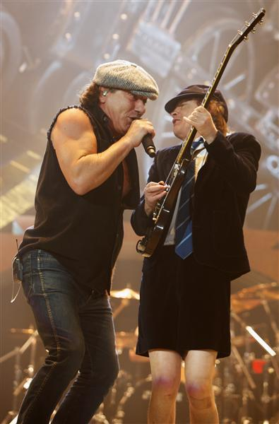 acdc3 AC/DC thrills a sold out Allstate Arena (11/1)