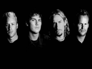 nickelback 2w560h420 300x225 YouTube Live: Nickelback gets rocked in Portugal (2007)