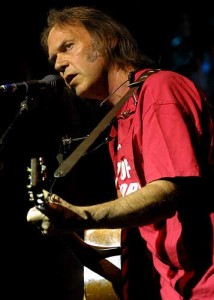 neil young1 214x300 Watch: Neil Young is hilarious