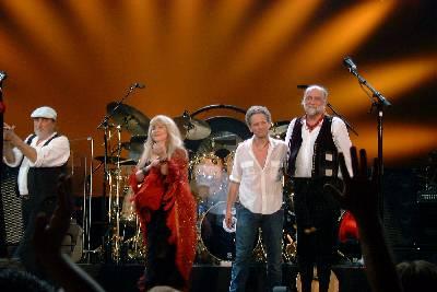 fleetwood mac Fleetwood Mac says no to album, yes to tour