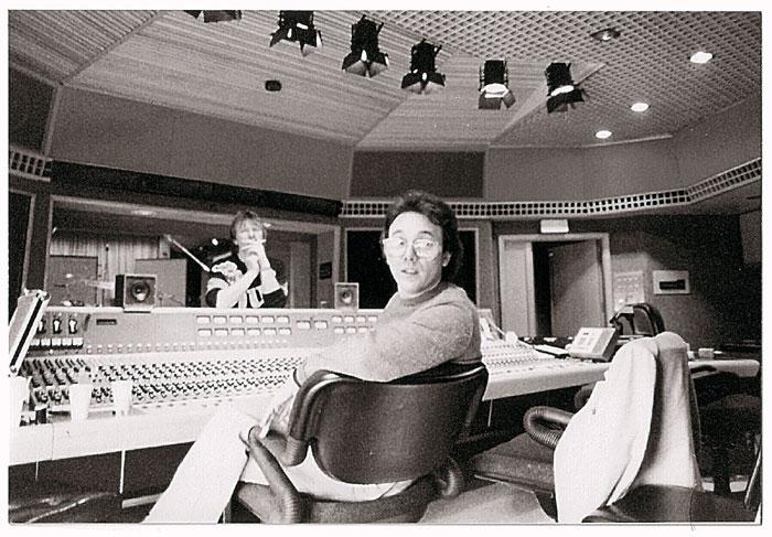 horn3thbugglesinstudiol Rock History 101: The Buggles Video Killed the Radio Star