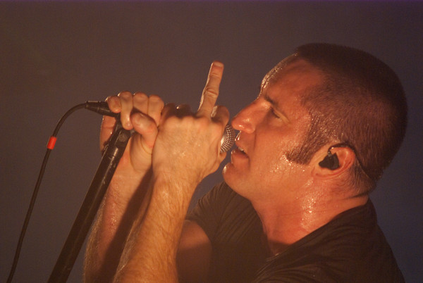 nin3 Nine Inch Nails wave farewell to Terminal 5 (8/25)