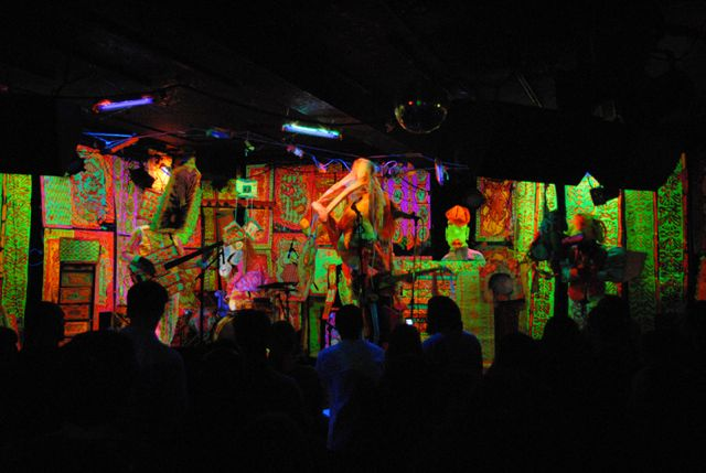 3920374415 d130feb86f o Surreal Adventures in Modern Music at the Empty Bottle (9/9 13)