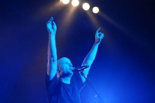 moby21 Moby dazzles Chicago, saves Wednesday night (9/30)