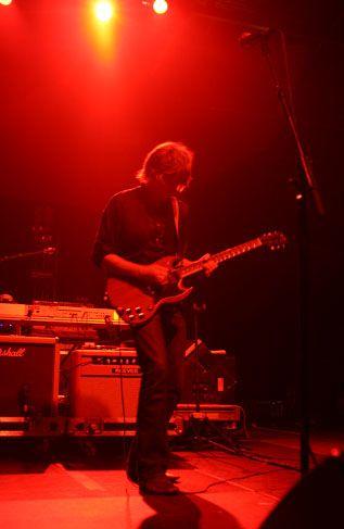 wilco10 Wilco wraps up tour, returns home Via Chicago (10/20)