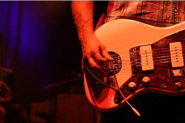 wilco20 Wilco wraps up tour, returns home Via Chicago (10/20)