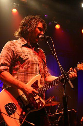 wilco21 Wilco wraps up tour, returns home Via Chicago (10/20)