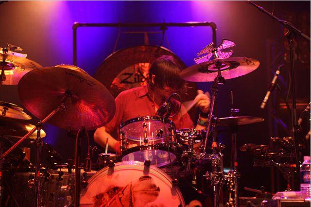 wilco23 Wilco wraps up tour, returns home Via Chicago (10/20)