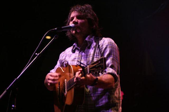wilco5 Wilco wraps up tour, returns home Via Chicago (10/20)