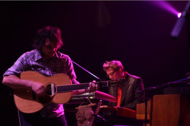 wilco8 Wilco wraps up tour, returns home Via Chicago (10/20)