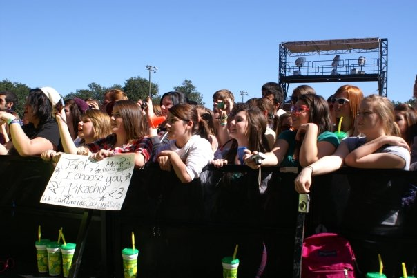 alltimelow girls CoS at Voodoo Experience 09: Beware the Ghouls