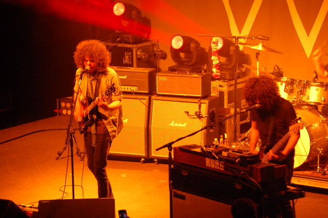 dsc0007 Wolfmother tears up the 9:30 Club (11/4)