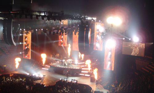 gnr1 Guns N Roses defy logic in Toronto (1/28)
