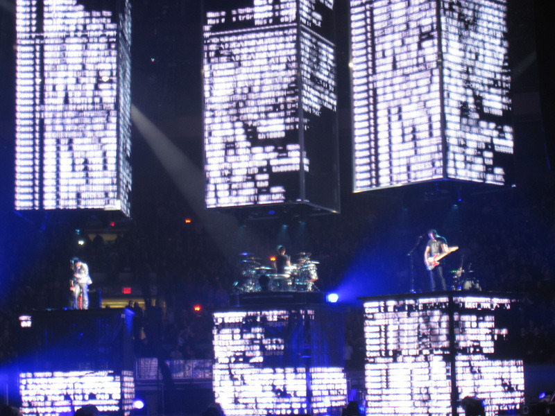 muse7 Muse brings a supermassive show to MSG (3/5)