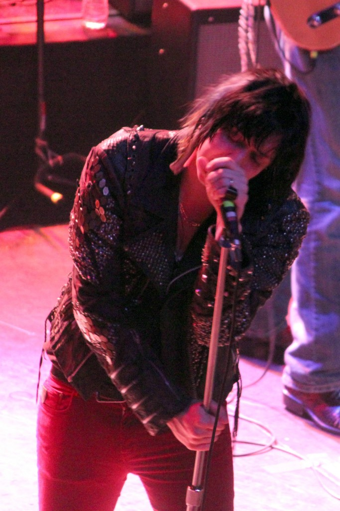 cos 1903 683x1024 Julian Casablancas sees whats up in Chicago (4/6)