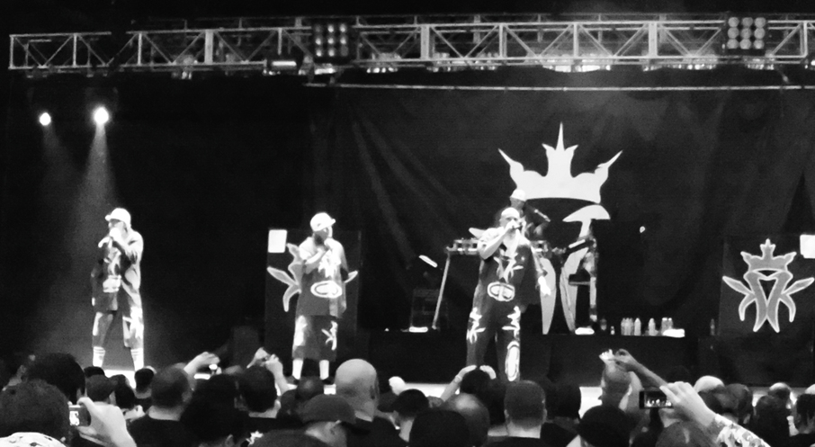 dsci0134 2 Coolio, Kottonmouth Kings, ICP get soggy in Charlotte (5/17)