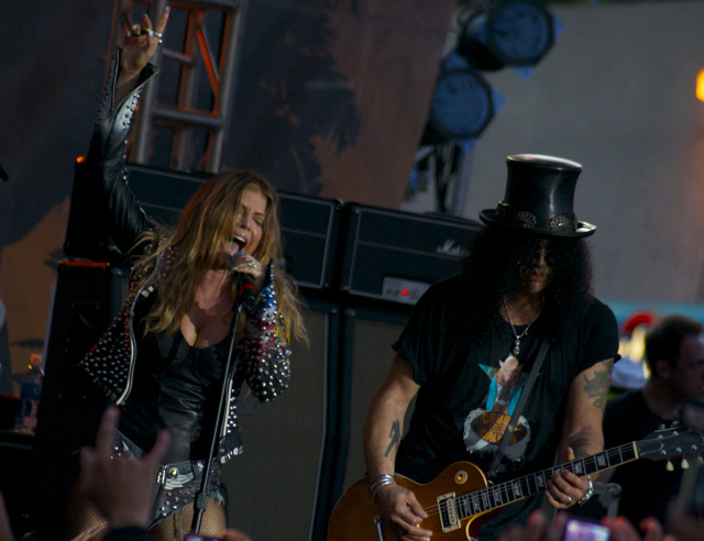 fergie and slash3 Death Rattle or Funeral March?: CoS at Sunset Strip 10