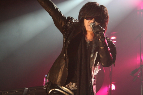cosxjapannyc2 X Japan throws massive party in NYs Roseland Ballroom (10/10)