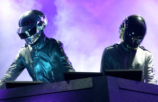 daft punk1 Video Rewind: Daft Punk blinds fans One More Time at Wireless Festival 07