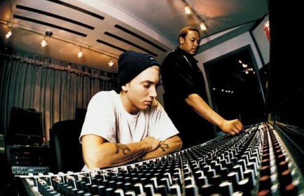 eminem dre Check Out: Dr. Dre feat. Eminem   I Need a Doctor