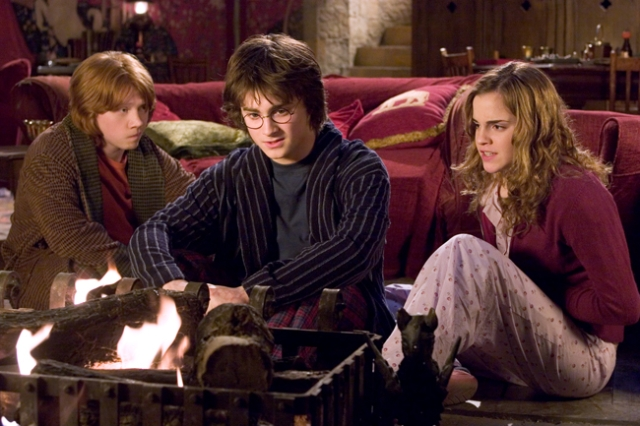 harry potter and the goblet of fire 20050801053917088 640w Break Yo TV: Harry Potters The Weird Sisters   Do The Hippogriff