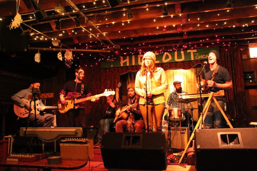 outlikelambs Joan of Arc Lightbox Orchestra light up Chicagos Hideout (2/6)