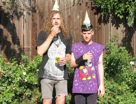 wavves zach hill Check Out: Wavves drops three new (old) songs