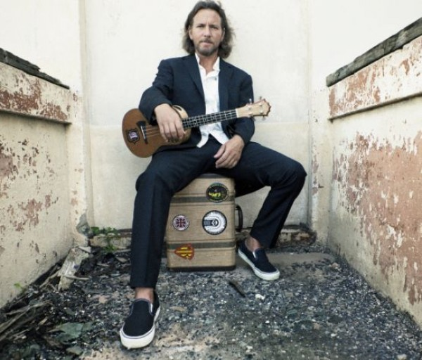 eddie vedder schedules 2012 solo tour dates consequence of sound. Black Bedroom Furniture Sets. Home Design Ideas