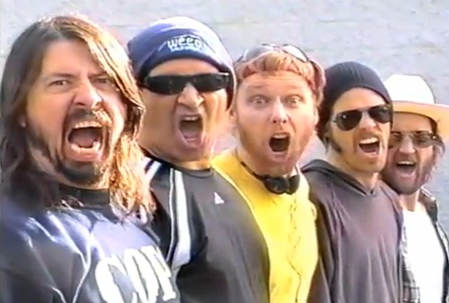 foofighters2011 Video: Foo Fighters Garage Tour documentary