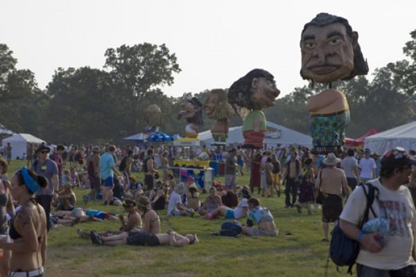 bonnaroo thursday19 e1338989298660 Festival Review: CoS at Bonnaroo 2011