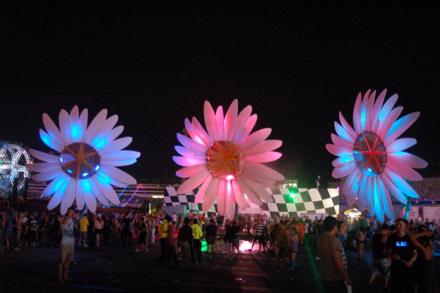 cover3 Festival Review: CoS at Electric Daisy Carnival: Las Vegas 2011