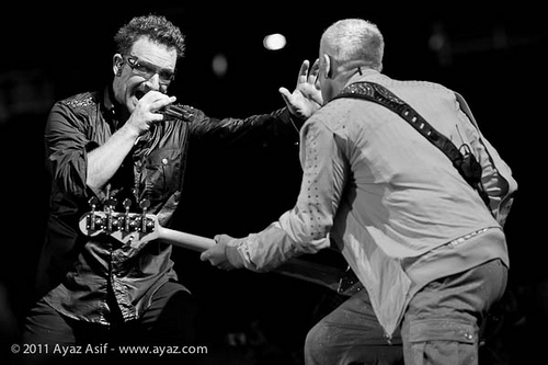 ayazasifu23 Live Review: U2 at New Jerseys New Meadowlands Stadium (7/20)