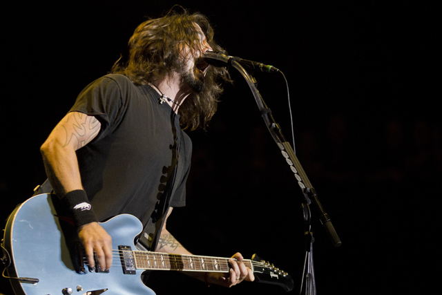 saturdayfoofighters19 Neil Young, Foo Fighters, The Black Keys headline NYCs Global Festival