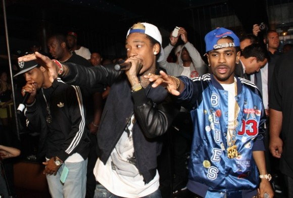 wizkhalifa and bigsean 580x392 Check Out: Wiz Khalifa, Big Sean, and Curren$y collaborate