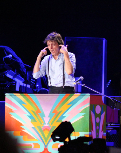 cos macca 27 Live Review: Paul McCartney at Chicagos Wrigley Field (7/31)