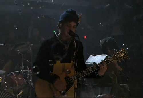 """mgmt fallon Video: MGMT covers Pink Floyd's """"Lucifer Sam"""" on Fallon"""