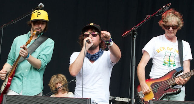 """brokensocial.3.sun  Video: Broken Social Scene teams up with Isaac Brock for """"The Good Times Are Killing Me"""""""