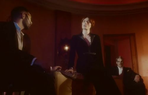 "florence shake it out Video: Florence and the Machine   ""Shake It Out"""