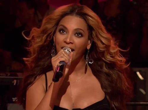"beyonce fallon Video: Beyoncé and The Roots play ""Countdown"" on Fallon"