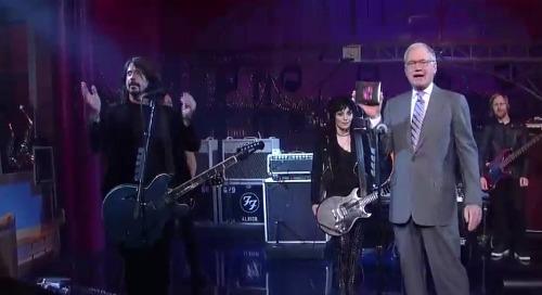 fooletterman Video: Foo Fighters and Joan Jett perform on Letterman
