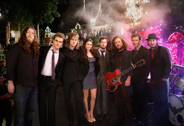 mmj vampire Video: My Morning Jacket stars in The Vampire Diaries