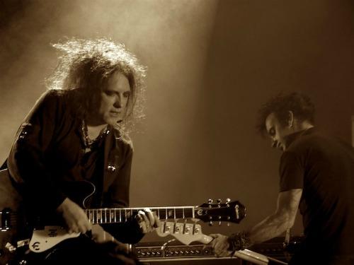 thecure2debidelgrande Live Review: The Cure at LAs Pantages Theatre (11/23)