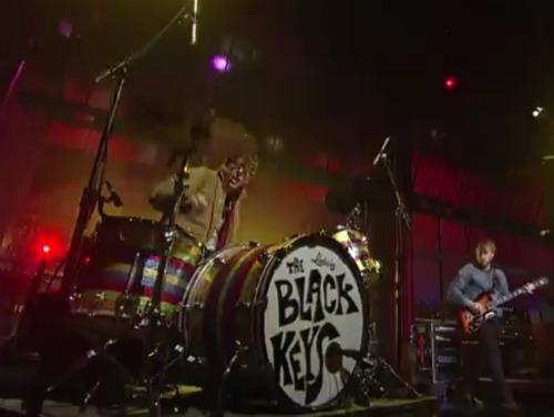 blackkeysletterman Video: The Black Keys find Gold on the Ceiling on Letterman