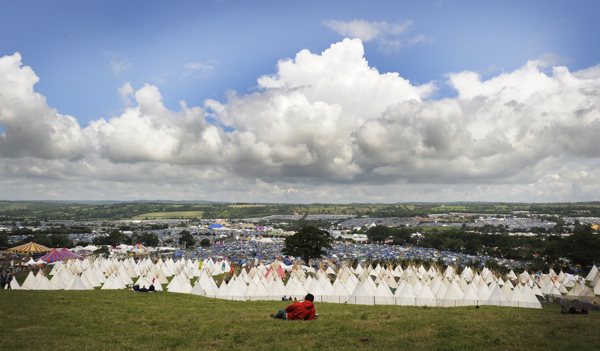 glastonbury laurapage Top 10 Music Festivals in Europe: Spring 2014 Power Rankings