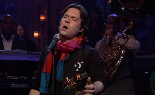 rufusfallon1 Video: Rufus Wainwright performs Minuit Chrétiens on Fallon
