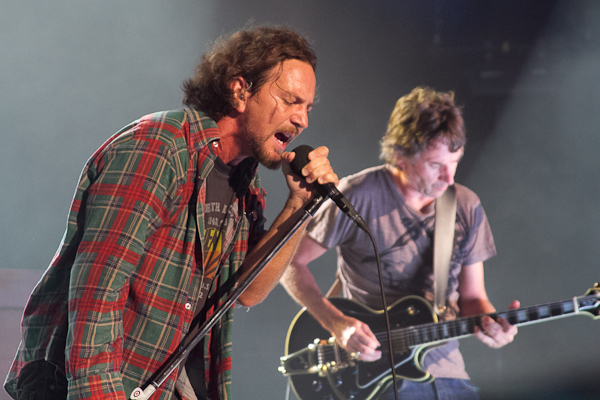 pearljam jeremylarson Report: Pearl Jam to release new single Mind Your Manners in July