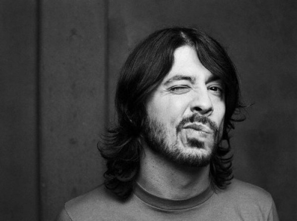 dave grohl e1358966509248 Dave Grohl and comedian Dana Gould team up for FX sitcom