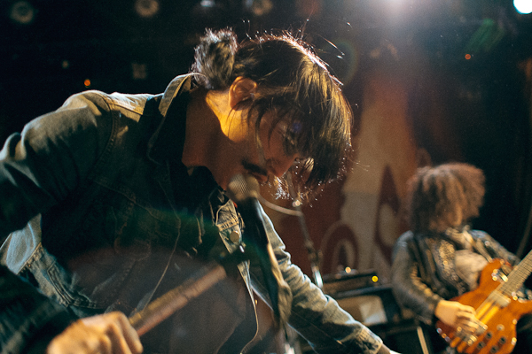 foxy shazam Live Review: The Darkness, Foxy Shazam at Chicagos Metro (2/11)