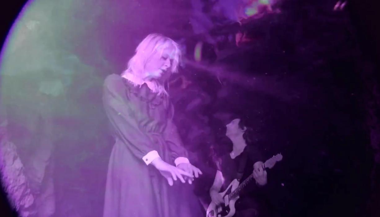 gliss e1330277974688 Video: Gliss   Weight of Love (CoS Premiere)